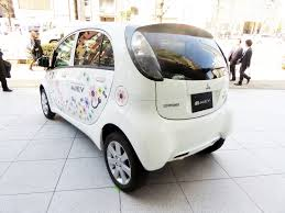 electric vehicles battery lithium ion batteries inhabitat green design innovation