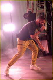 rapper drake house drake performs for american express platinum house at art basel