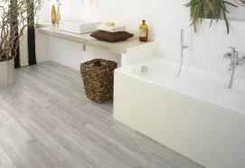 spiare in bagno telecamera bagno idee creative e innovative sulla casa e l