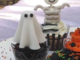 Halloween Bundt Cake Decorations by Easy Halloween Cupcake Decorations Cakecentral Com