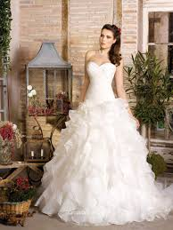 wedding dressing organza strapless shirred bodice classic wedding dress with ruffle