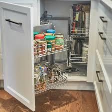 armoire en coin cuisine cuisines beauregard cuisine réalisation 348 accessoires de