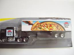 amazon com matchbox super rig pizza hut tractor trailer truck