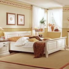 Schlafzimmer Braunes Bett Schlafzimmer Set Lourette Aus Kiefer Massivholz Pharao24 De