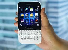themes mobile black berry q5 photos