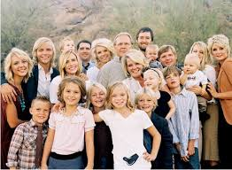 large family photo ideas posing tips and exles for