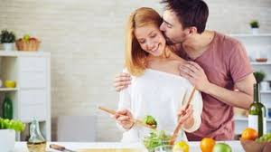 amour dans la cuisine la cuisine fait perdurer l amour le ménage crée les disputes