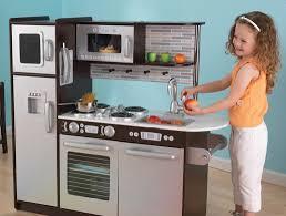 cuisine fille jouet la cuisine en bois jouet peluches et jouets en bois