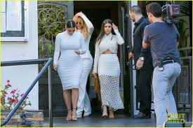 Khloe Kardashian Kitchen by Khloe Kardashian Addresses Kourtney U0026 Scott Disick U0027s Split See