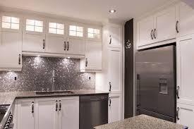 retaper armoire de cuisine armoires de cuisine créations folie bois rive sud cuisines