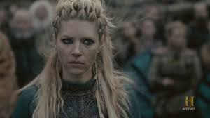 lagatha lothbrok hairstyle lagertha declares time s up in new vikings promo welcome to the