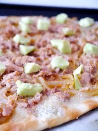 cuisine pour deux gorgonzola take 1 pizza pour deux on my yellow plate