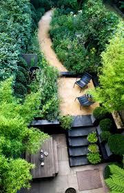 designer visit the black and green garden of chris moss gardenista