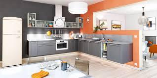 les plus belles cuisines ouvertes cuisine ouverte coloris gris anthracite avec niche décorative
