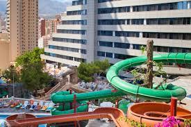5 hoteles de booking con parques acuáticos impresionantes blog