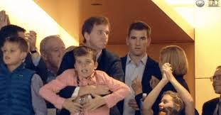 Manning Face Meme - eli manning showed zero emotion when his brother won the super bowl