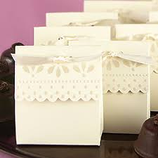 wedding party favor boxes scalloped edge favor boxes wedding favor boxes