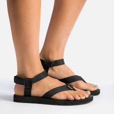 Comfortable Wide Womens Shoes Best 25 Water Shoes Ideas On Pinterest Camp Shoes Beauty Tips