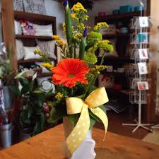 flowers to go friday florist recap 3 1 3 7 presenting a floral cascade