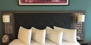 Living Room Furniture Belfast by Review Jurys Inn Hotel Belfast Executive Room Travelupdate