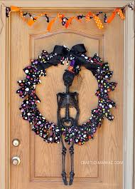diy halloween skeleton wreath