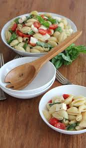 caprese pasta salad hilah cooking