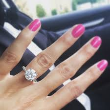 girls rings hand images How to take the perfect ring selfie the yes girls jpg