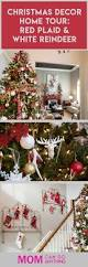 love the red and white color combination and those reindeer are