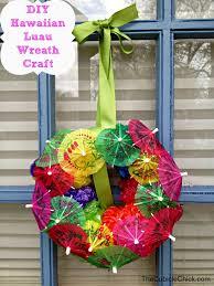 DIY Hawaiian Luau Wreath