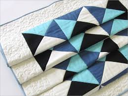 patchwork bed runner with free motion quilting sew4home