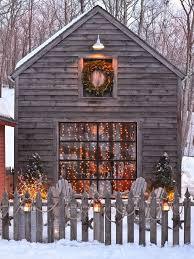 Natural Christmas Decorations For Outside by Best 25 Christmas Garden Ideas On Pinterest Wooden Reindeer