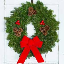 christmas wreath downeaster christmas wreath traditional wreath