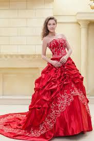 robe de mariã e en couleur robe de mariée en couleur broderies bustier traîne cathédrale