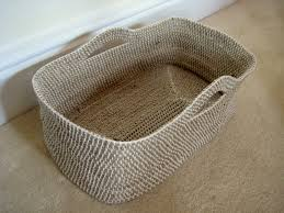 oh my i love this basket pattern perfect for yarn kitties toys