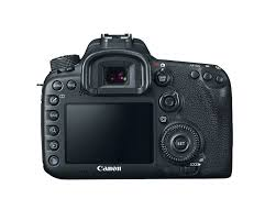 amazon com canon eos 7d mark ii digital slr camera with 18 135mm