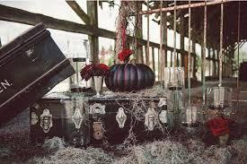 Halloween Wedding Decor by Alluring Halloween Wedding Inspiration Featuring Vintage Ambiance