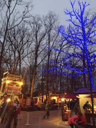 The Best Christmas Light Displays by Silver Dollar City U0027s An Old Time Christmas Coaster Crew