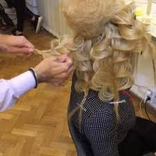 Hochsteckfrisurenen Vom Friseur by Dieser Friseur Gestaltet Die Atemberaubendsten Hochsteckfrisuren