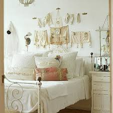 Vintage Bedroom Ideas To Make An Antique Bedroom House Interior - Antique bedroom ideas