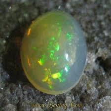 Opal Teh jual batu mulia opal teh bening jarong tajam oval 1 85 carat