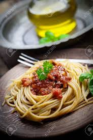 cuisine italienne pates cuisine italienne pâtes spaghtti avec sauce tomate olives et