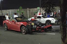laferrari crash crash ferrari california en indonesie lauto conduite par un ami