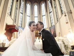 wedding dress jakarta dewi and harvey moeis dreamy wedding in jakarta