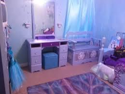 Disney Frozen Bedroom by Frozen Bedroom Set Frozen Bedroom Set Disney Frozen Bedroom