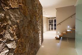 wand gestalten mit steinen 93 ideen zur wandgestaltung mit holz stein tapete und mehr