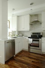 Kitchen Peninsula With Seating by Best 25 Small Kitchens With Peninsulas Ideas Only On Pinterest