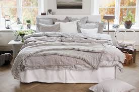 big bed pillows i seriously just love beds big beds with comfy duvets and lots of