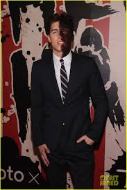 heidi klum halloween parties joe jonas u0026 zoe kravitz represent young hollywood at heidi klum u0027s