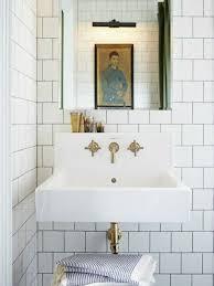 kleine badezimmer lã sungen kleines bad fliesen helle fliesen lassen ihr bad größer