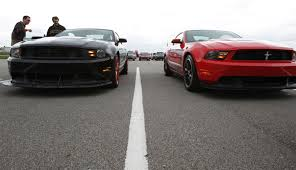 Mustang Boss 302 Black And Red 2012 Ford Mustang Boss 302 Review Digital Trends